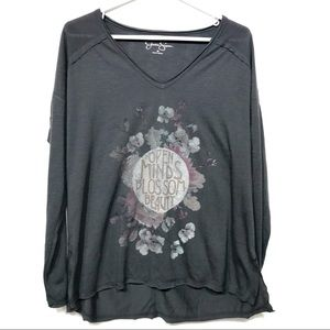 Jessica Simpson gray long sleeve graphic tee med